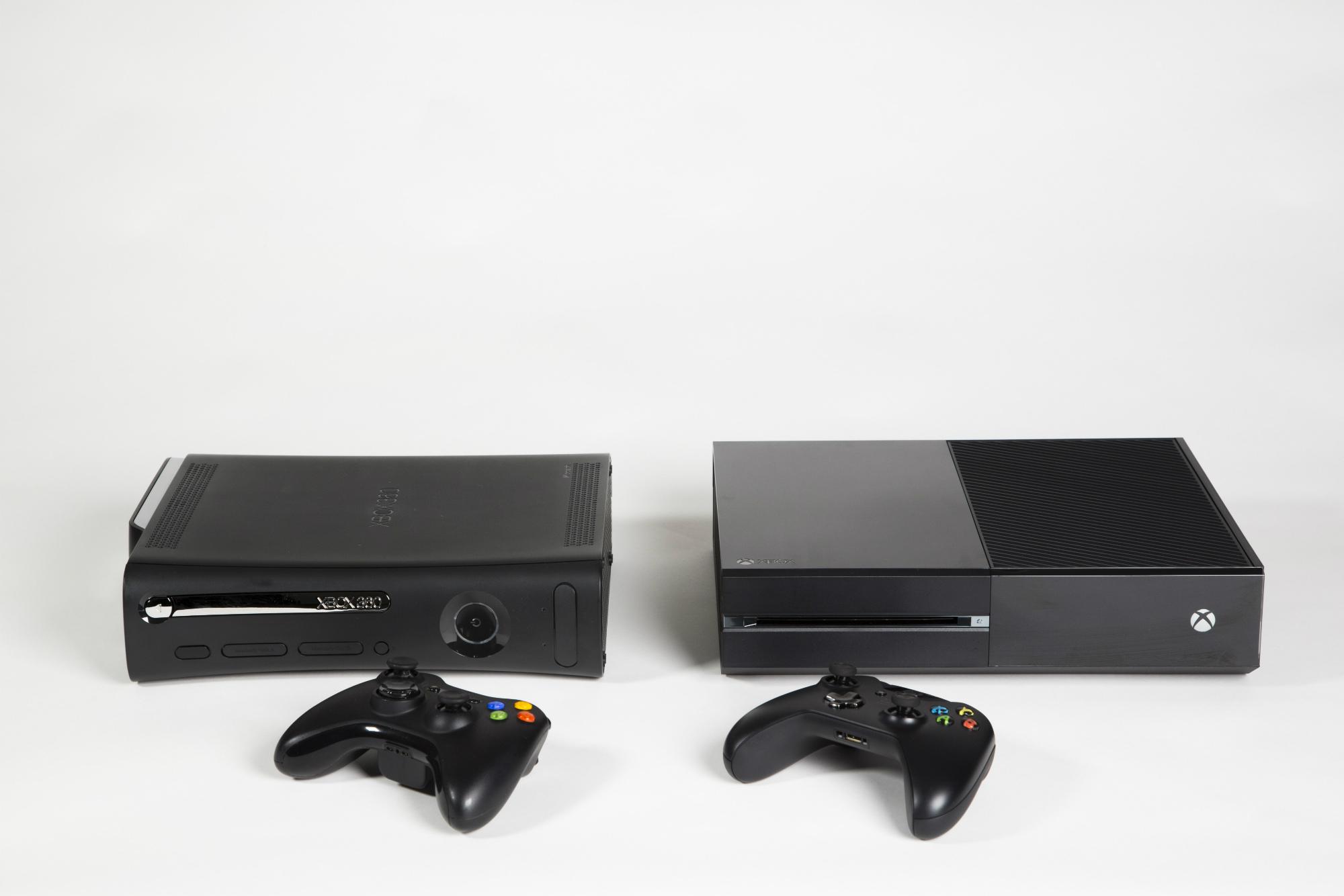 De Xbox 360 naast de Xbox One